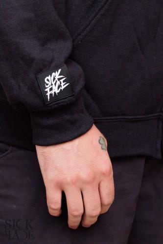 Černé dámské tílko se stojáčkem značky SickFace s motivem čínské mytologické bytosti kirin a runovým prvkem vzadu.
