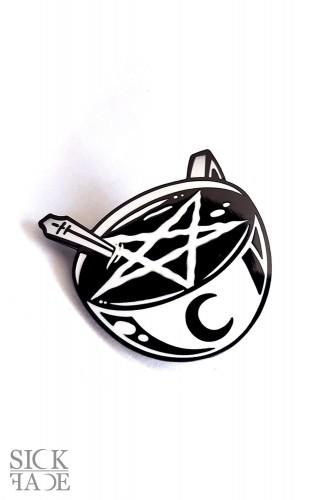 Černá mikina s motivem na zádech metal zombie s trnovou korunou trhající si obličej.