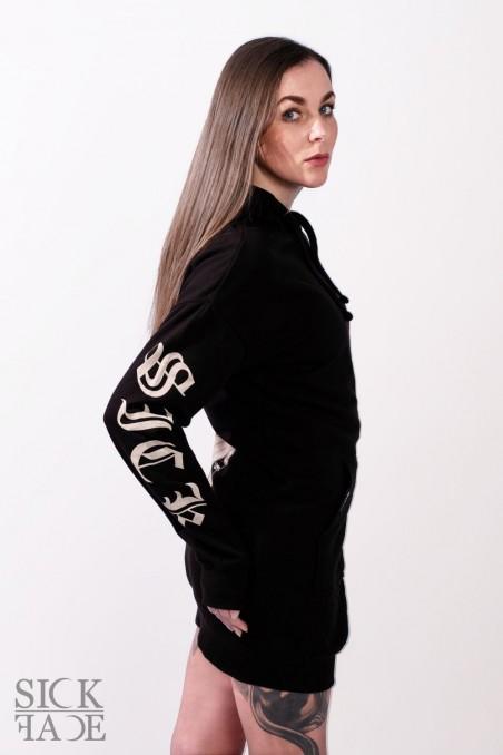 Černé mikinošaty Wicked značky SickFace z boku s detailem na potisk na rukávech.