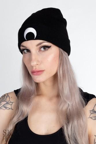 Černá zimní čepice české okultní značky SickFace s výšivkou měsíce vepředu